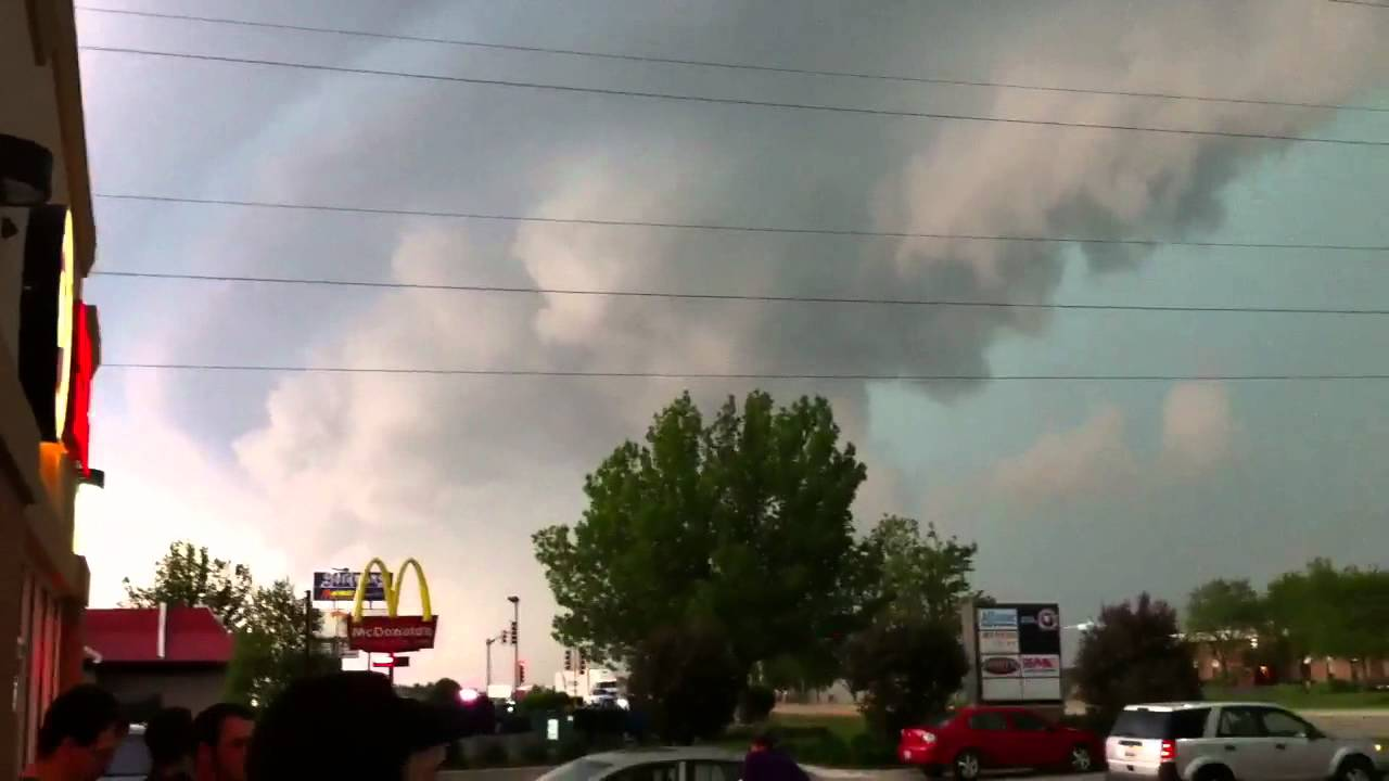 Heavy Storm Tornado Forming In Rockford Il On May 22nd 2011 Youtube