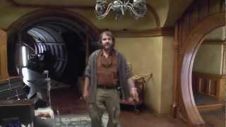 Хоббит- Неожиданное путешествие - видеоблог, часть 1(В первой части видеоблога Питер Джексон покажет нам, что происходит в течение 6 подготовительных дней перед..., 2012-11-08T08:07:32.000Z)