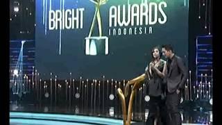 CLBK Syahnaz Sadiqa & Juan di Panggung Bright Awards