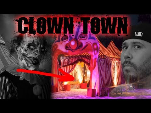 HAUNTED CLOWN AMUSEMENT PARK AT 3AM (CLOWN TOWN)