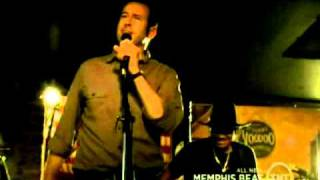 Memphis Beat Dwight sings Suspicious minds.to the voice of Mark Arnell