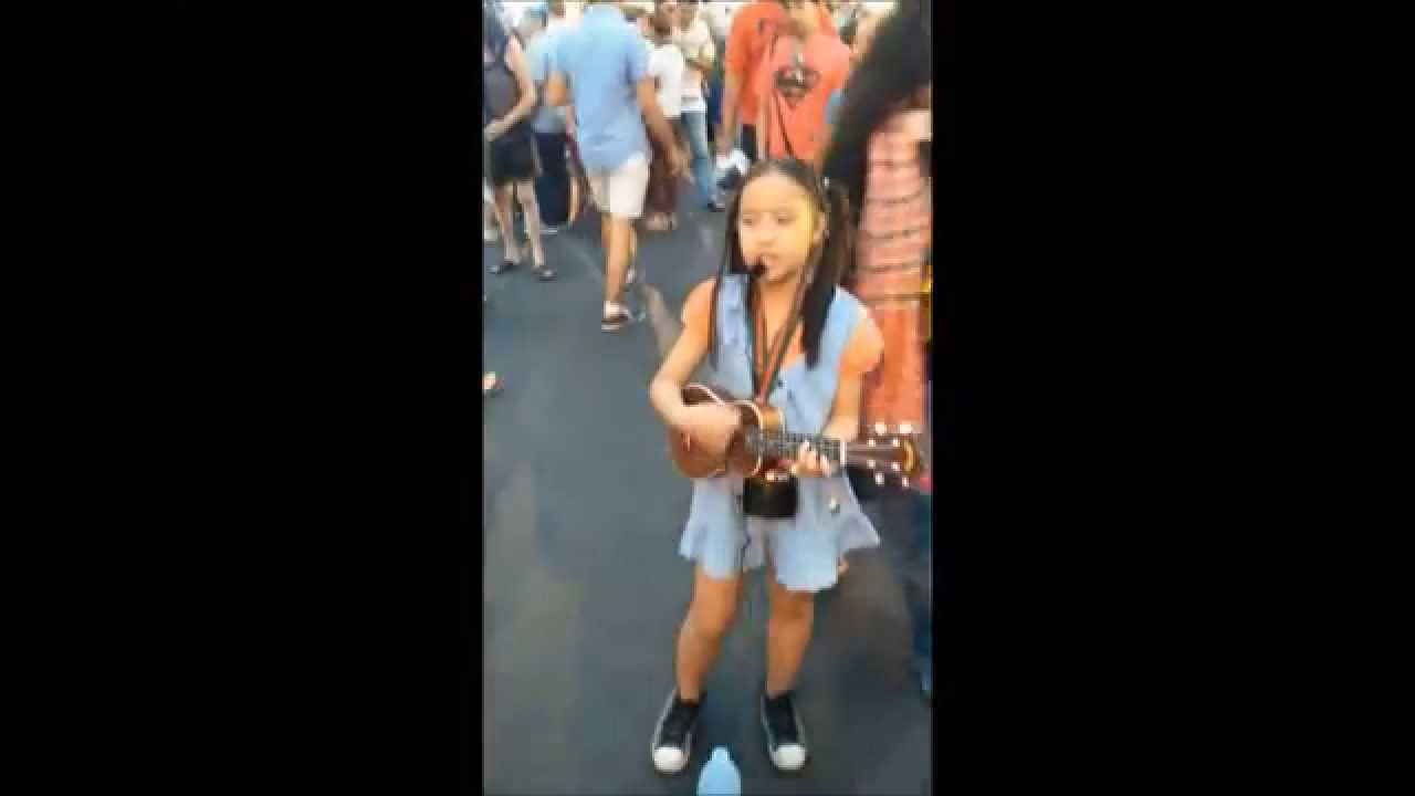 Little thai girl street singing price tag chiang mai for Tiny thai teen