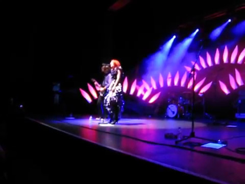 Kate Miller-Heidke - Walking on a Dream (Empire of the Sun Cover) (Live at Enmore Theatre, 2009)