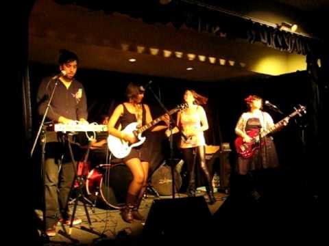 Fern Lane - Photoshop Eyes (Live @ No Future Cafe - Pasadena, California October 23, 2009)