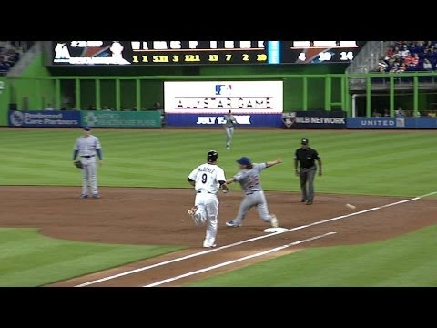 CHC@MIA: Furcal scurries home on a Cubs miscue