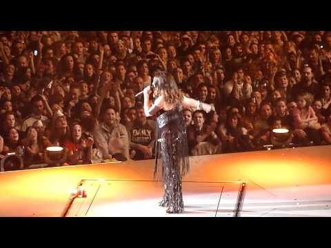 Laura Pausini - Non c'è - Milano 28-12-2011 mp3