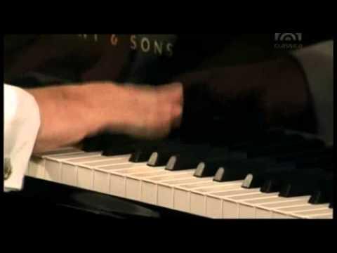 Mozart, Piano Concert  Nr  20 d Moll KV 466   Rudolf Buchbinder Piano & Conducter, Wiener Phi