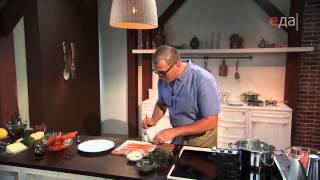 Морковные спагетти с соусом песто и морковные рулетики