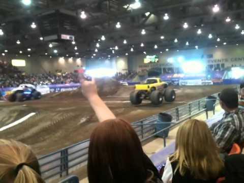 Monster Truck Racing Titan Vs. New Earth Authority