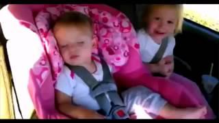 Реакция детей на музыку: опа гангам стайл