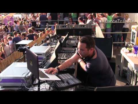 Paperclip People - Throw (Slam's RTM Remix) [played by Nic Fanciulli]