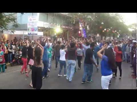 Flash Mob at chembur Festival 2013