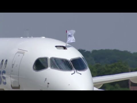 Welcoming the A220, the latest addition to the Airbus Family (video from the live feed)
