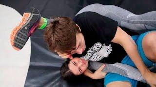 Как вырубить девушку, которая постоянно орет - Самбо для пацанов