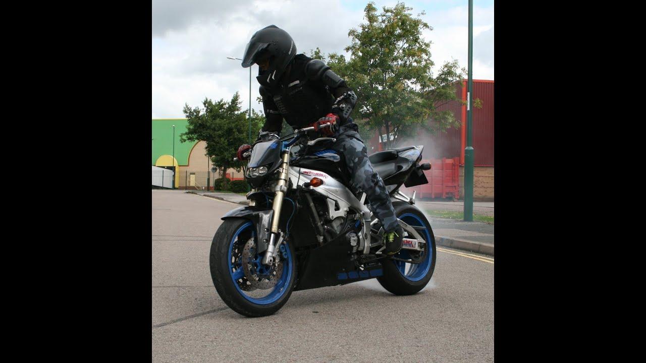 Yamaha Streetfighter YZF R1 - YouTube