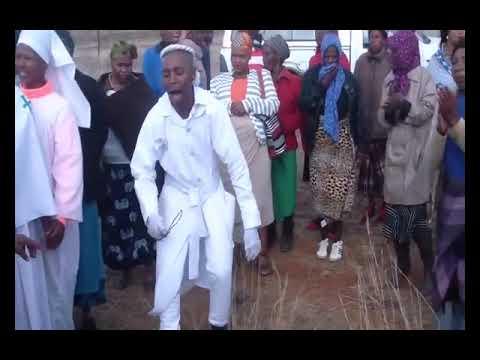 ULindithuba Hoho neBuyelekhaya Xhosa Cultural Group