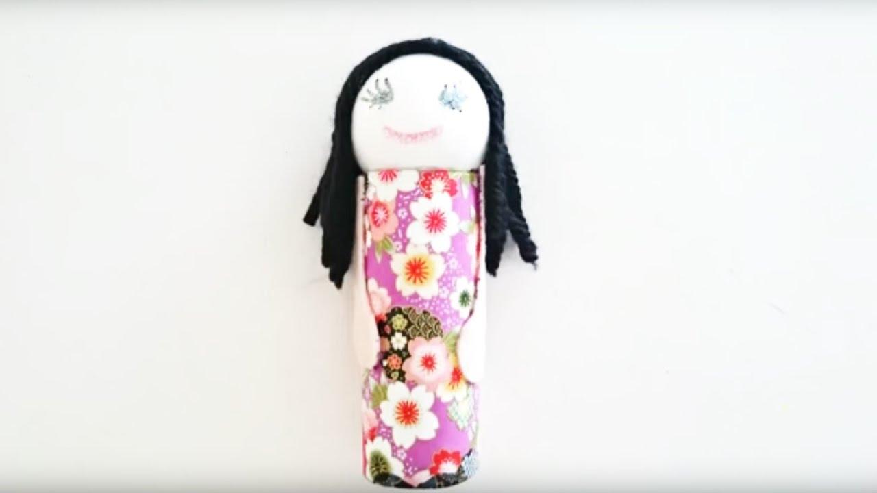 Bricolage enfant comment fabriquer une petite poup e - Fabriquer un derouleur de papier toilette ...