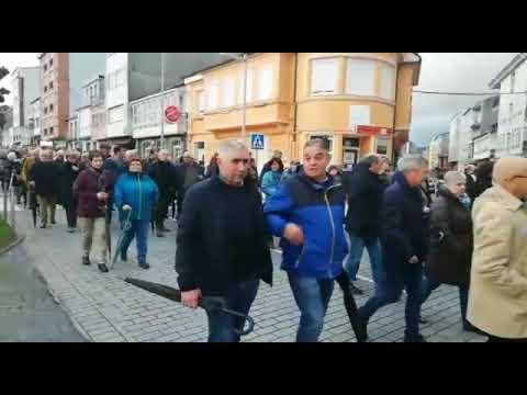 Cientos de personas muestran en As Pontes su rechazo al convenio colectivo de Endesa