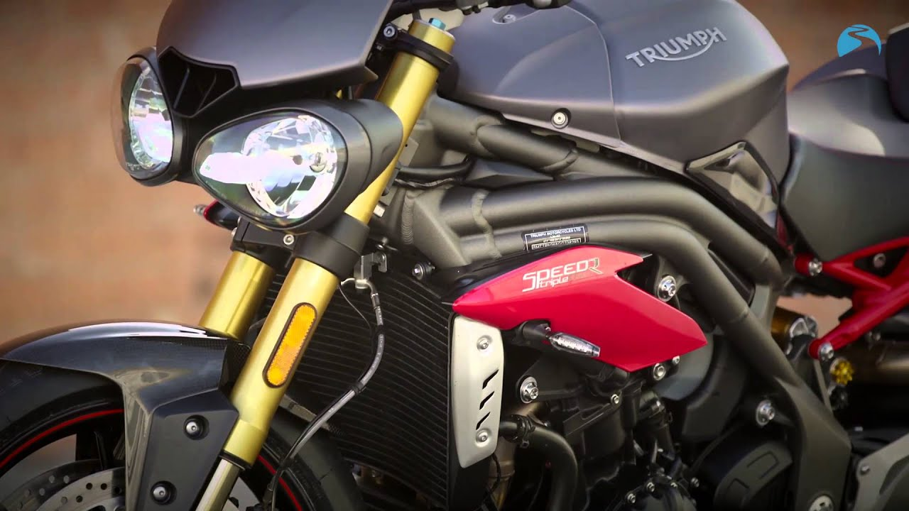 Triumph Speed Triple R (2016) - First Ride and Review!