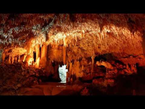 Som de caverna/gruta (água pingando com eco)