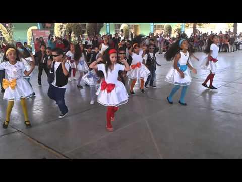 Chica ye ye Escuela 17 de Julio 2ºA Maestra Flor