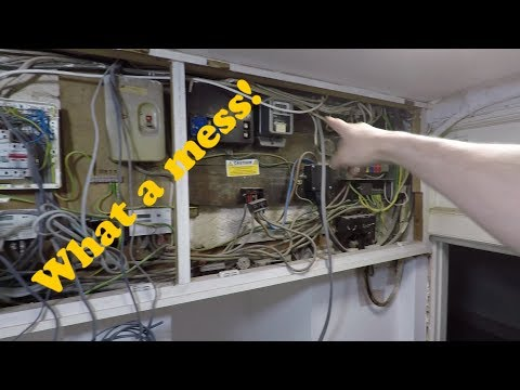Changing a total mess of a fuseboard - An Electricians Day in London
