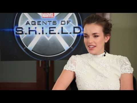 Marvel's Agents of S.H.I.E.L.D. Recon: Elizabeth Henstridge - YouTube