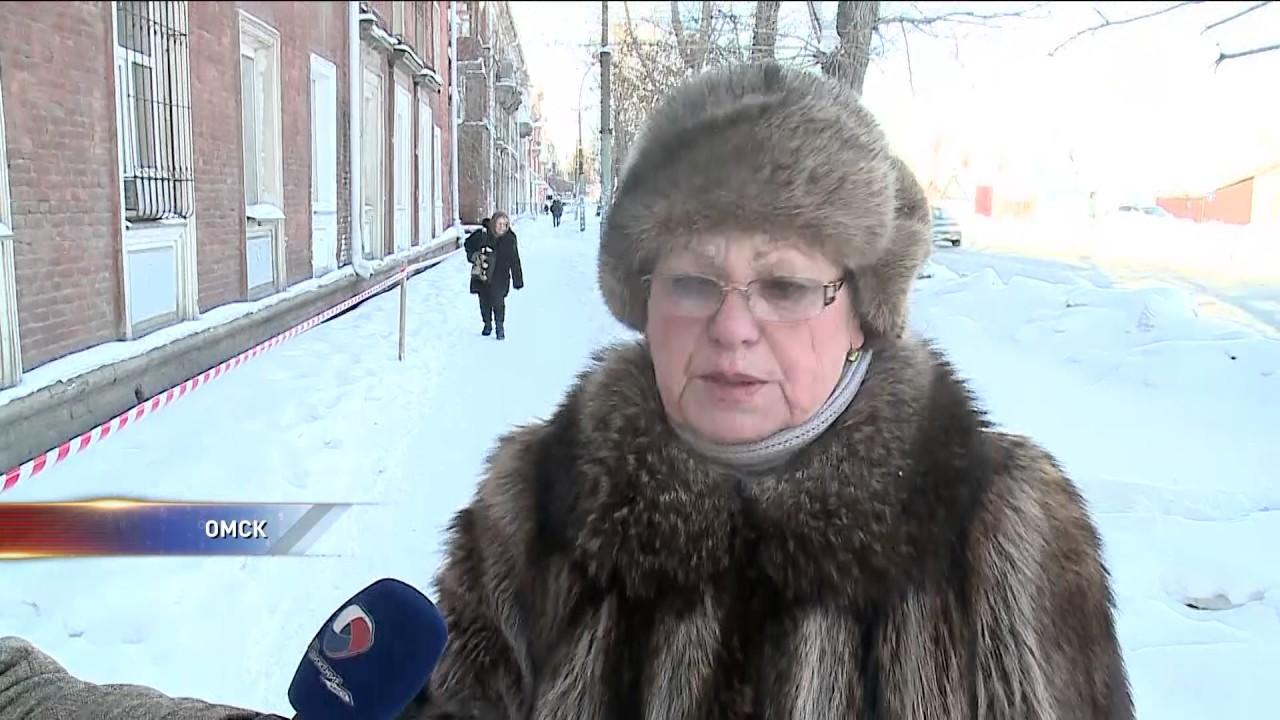 Несколько домов в центре Омска разваливаются на глазах