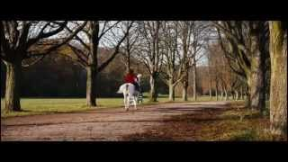 Saphirblau Clip -Cavalcando In Hyde Park Sub ITA
