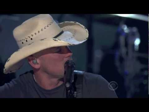 Kenny Chesney Singing You're Gonna Miss Me When I'm Gone (HD) - Brooks And Dunn ACM Last Rodeo