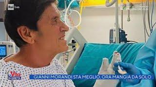 Gianni Morandi col sorriso mostra le mani dopo le ustioni - La vita in diretta - 30/03/2021