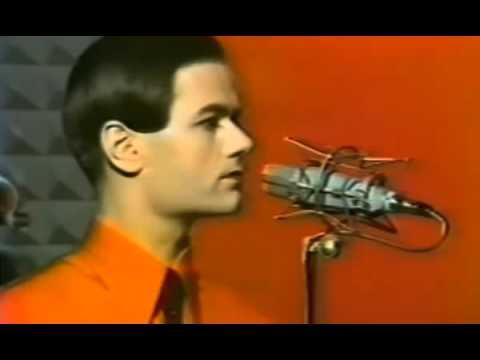 Kraftwerk  -The Robots - with lyrics