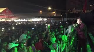 """Video Du Thiên hát hit """"Đừng Khóc Vì Anh """" Cùng Hàng Vạn Khán Giả Bắc Ninh download MP3, 3GP, MP4, WEBM, AVI, FLV Juli 2018"""