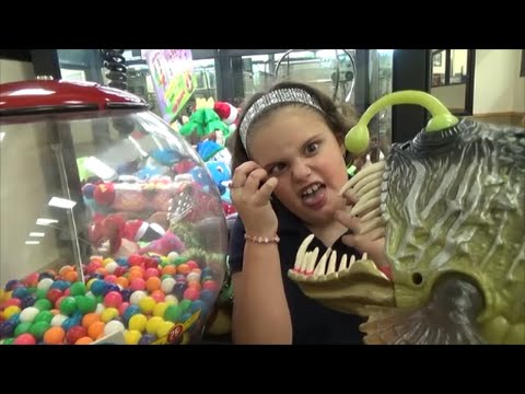 Thumbnail: Sharks & Dinosaurs vs Candy Gumball Machine & Crane & Claw Game