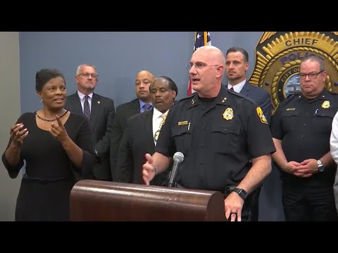 Sign-language interpreter criticized for police press conference performance