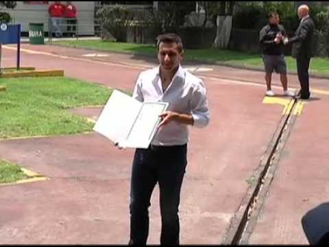 CHACO GIMÉNEZ RECIBIÓ CARTA DE NATURALIZACIÓN