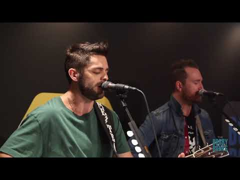 "Thomas Rhett Performs ""Unforgettable"" Live on the Bobby Bones Show"