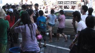 タイ東北部(イサーン)ナコンラチャシーマ(コラート) 水掛祭り【ソン...