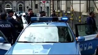 I venti ultrà del Catania arrestati portati via dalla questura