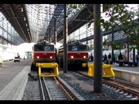 Finland: Helsinki, early morning commuters arrive on a VR Sr1 passenger train from Riihimaki