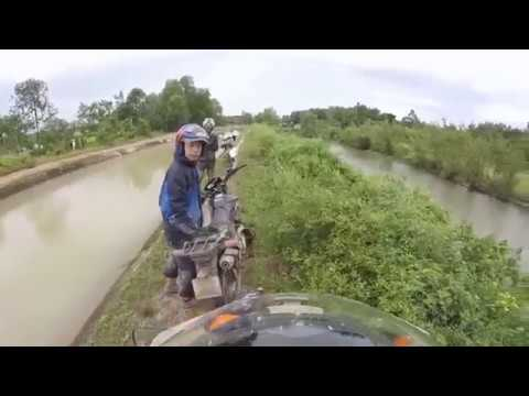 Saigon Riders - Cuchi tunnels tour  by dirt bikes