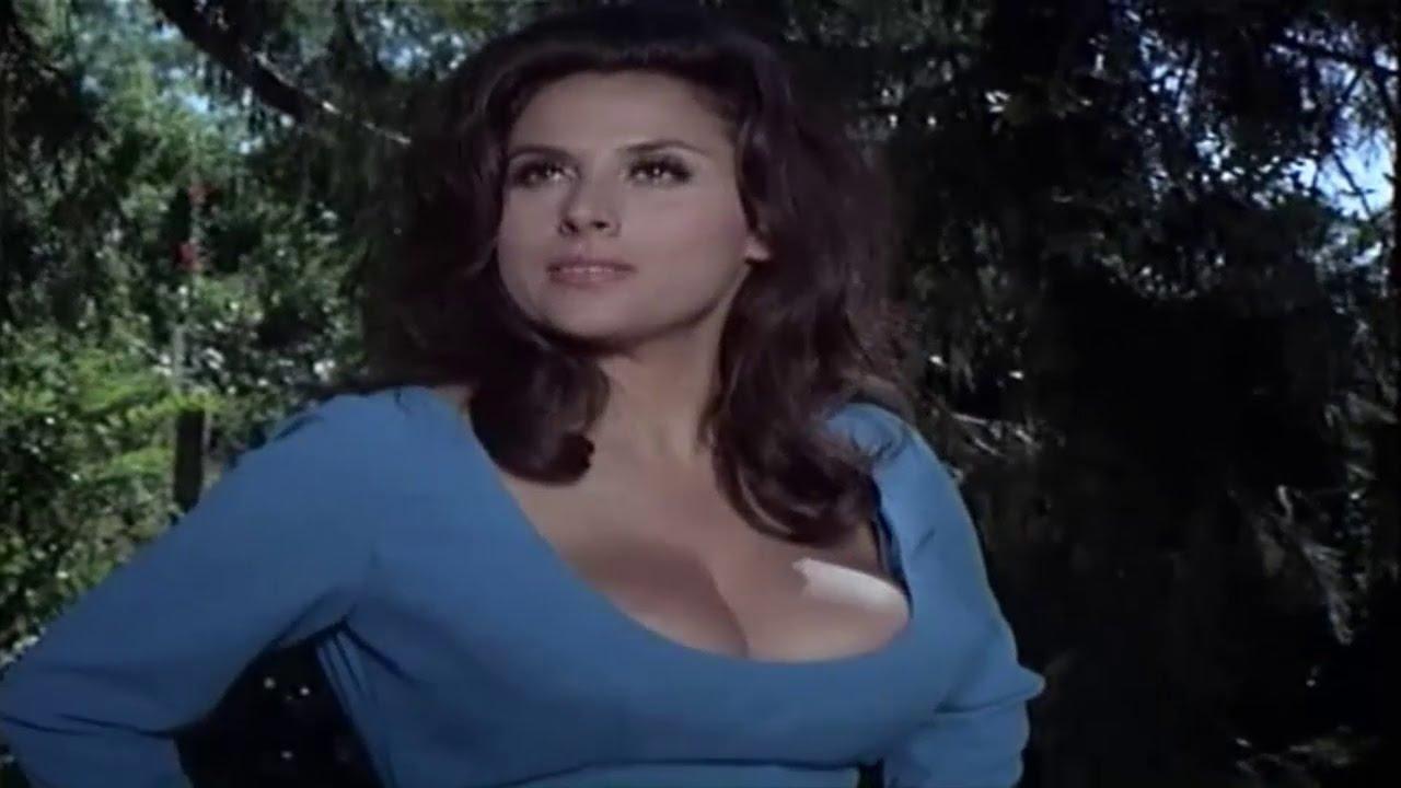 Watch Alaina Capri video