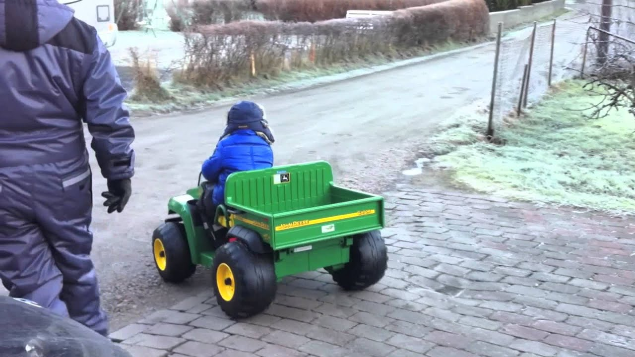 John Deere Gator >> John Deere gator electric car - YouTube