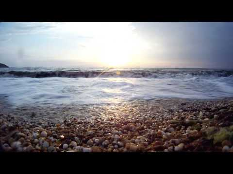 Naturalness and relax: The sounds of the sea and ocean accompanied with meditation music