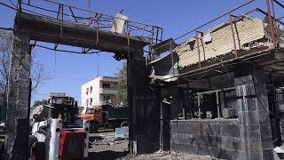 هجوم انتحاري يوقع ثلاثة قتلى على الأقل في جنوب إيران وإصابة العشرات بجروح…