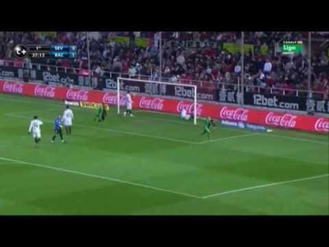 Sergio Canales vs Sevilla