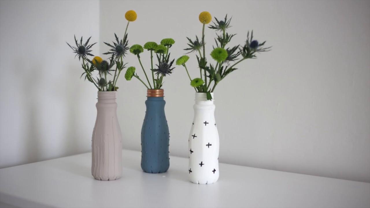 kreul upcycling mit farbe 2 blumenvasen aus getr nkeflaschen youtube. Black Bedroom Furniture Sets. Home Design Ideas