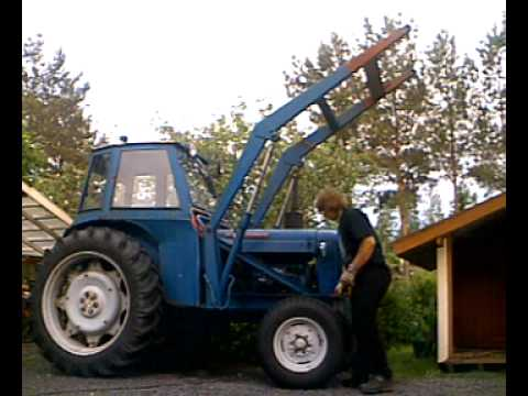 1964 fordson super major backhoe with U9grrtwsaaw on 4610 Ford Tractor Hydraulic Filter Location further 1960 Ford 5000 Diesel Tractor chE2mZOdlCXlmSUtD lEBBhnnEFWYAc26WBLem8fzNc furthermore U9GRrTwsAAw also Viewtopic likewise New Holland Alternator Wiring Diagram.