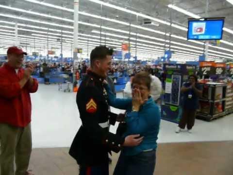 marine surprises his mom christmas eve at port st lucie fl walmart - Walmart Christmas Eve