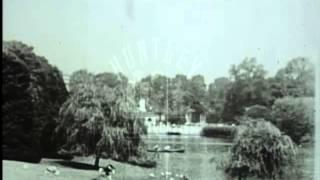 London's West End, 1930's - Film 33803